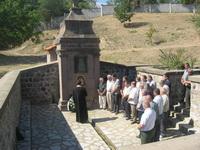 Spomen česma u manastiru Divostin