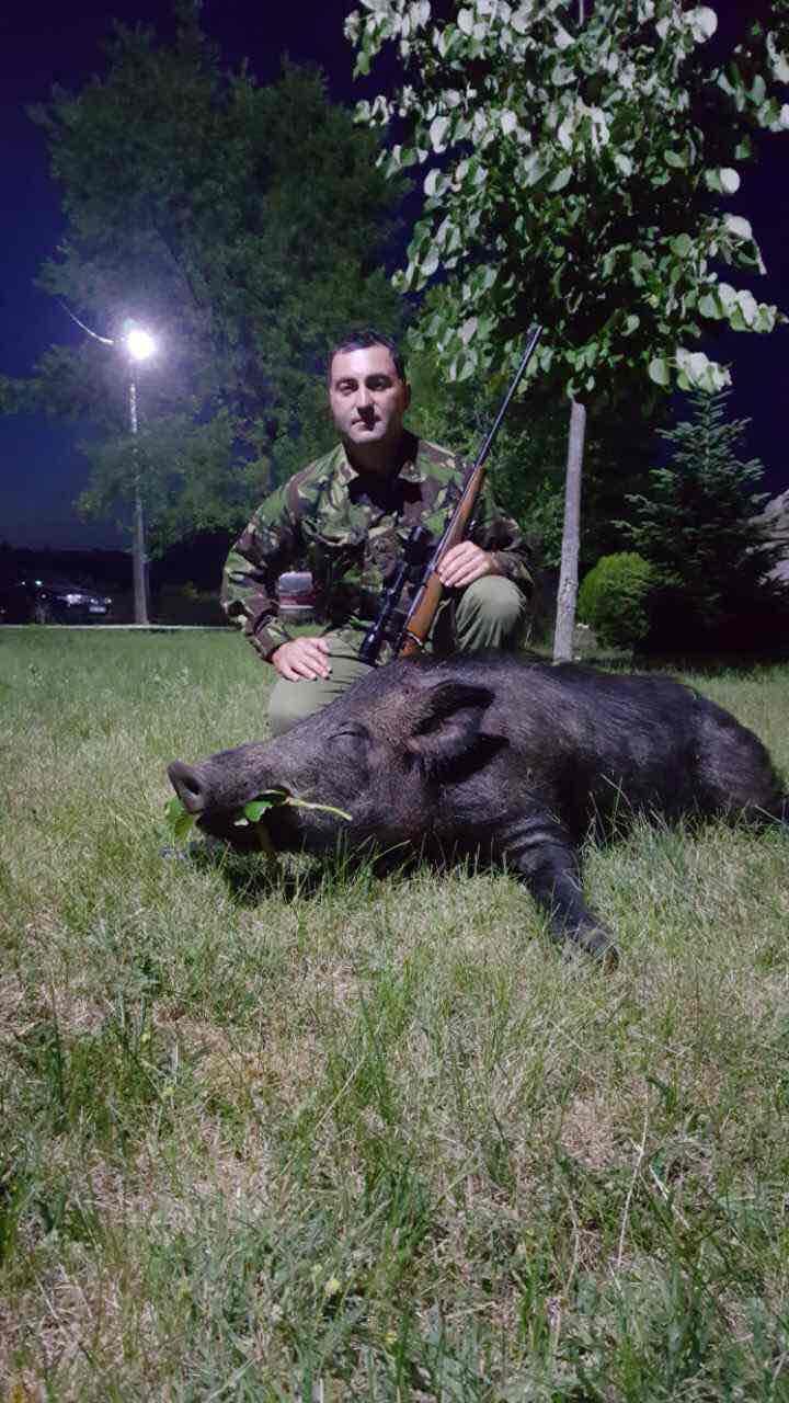Nebojša Cvetković sa odstreljenim divljim veprom u Lužnicama